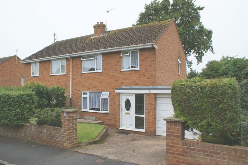 3 Bedrooms Property for sale in Clinton Close, Budleigh Salterton